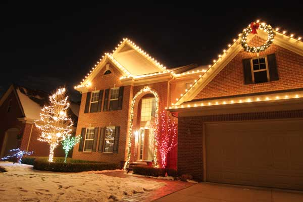 holiday decorating - Residential Christmas Decorating Service